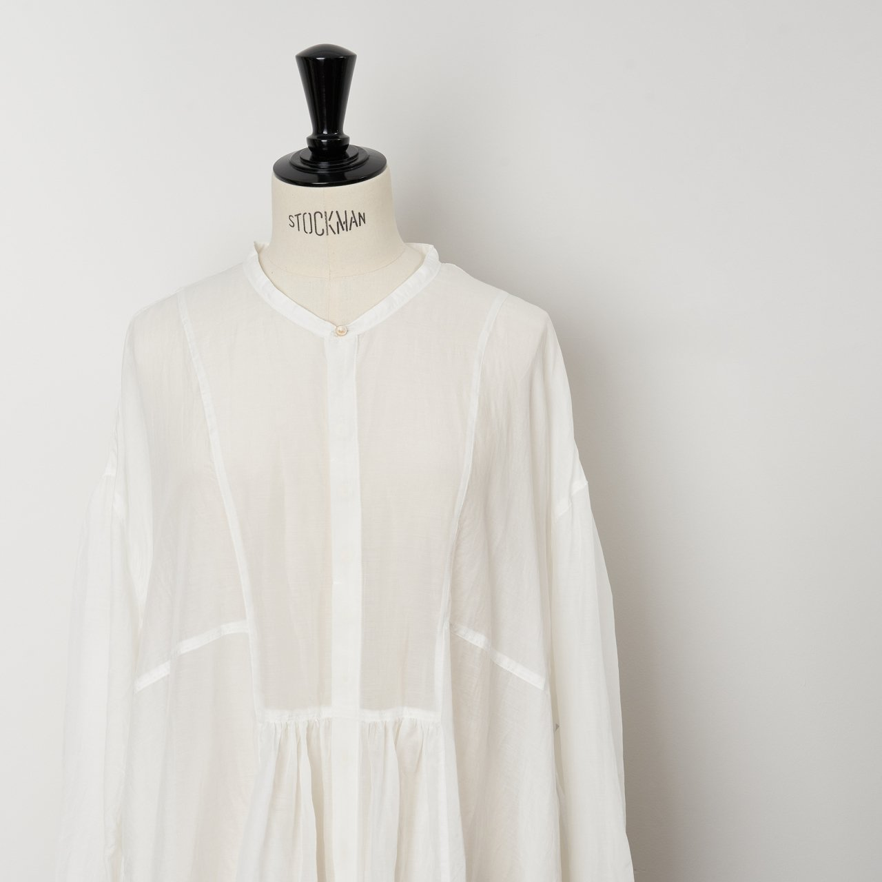 suzuki takayuki<BR>broad blouse<BR>nude
