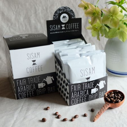 <img class='new_mark_img1' src='https://img.shop-pro.jp/img/new/icons3.gif' style='border:none;display:inline;margin:0px;padding:0px;width:auto;' />SISAM COFFEE 深煎り DripBox(15pack)