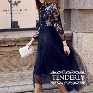 刺繍レースがゴージャスなチュールスカートの花柄ドレス