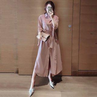 ワントーンの落ち感素材できれいめカジュアルなロング丈の長袖シャツワンピース