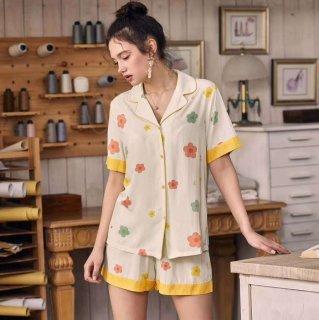 出産準備におすすめ カラフルなフラワープリントがかわいい半袖前開きパジャマ ルームウェア