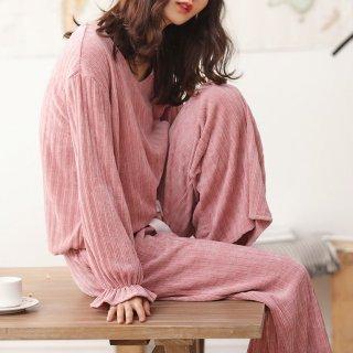 ルームウェアにおすすめ おしゃれに体型カバーできるワイドパンツの長袖セパレートパジャマ