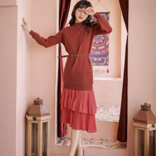 清楚ガーリーな海外デザイン ティアードフリルのスカートと長袖トップスのセットアップ