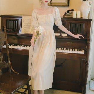 マタニティフォトの衣装にも 大人ガーリーなパフスリーブのフレアワンピース ドレス