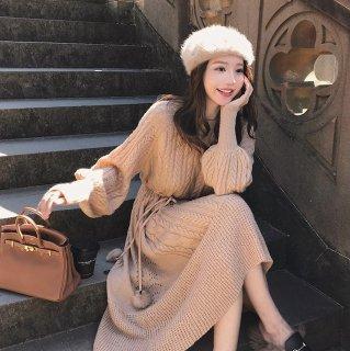 秋冬のお出かけコーデに ケーブルニットがかわいいバルーンスリーブの長袖ワンピース 3色