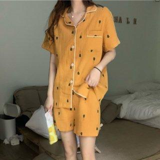 春夏のルームウェアに 個性的でかわいいキャロット柄の前開き半袖パジャマ 2色
