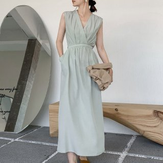 オトナ女子のきれいめスタイル 上品かわいいギャザーとカシュクールのロングワンピース 4色