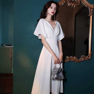 XS〜3Lの豊富な展開 エレガントな深Vネックのロング丈ゆったりスリーブ白ドレス ワンピース