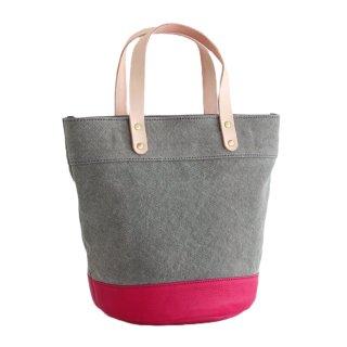 本牛革と22オンス帆布のヌメ革ハンドルバケツ型トートバッグ(グレー/チェリーピンク)