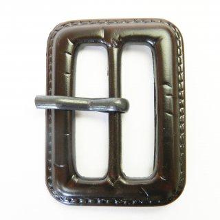 皮革風の茶色系ピン付バックル/内径31mm/本体:プラスチック系/ピン:メタル系/トレンチコート・コスプレに最適