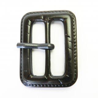 皮革風のこげ茶色系ピン付バックル/内径31mm/本体:プラスチック系/ピン:メタル系/トレンチコート・コスプレに最適