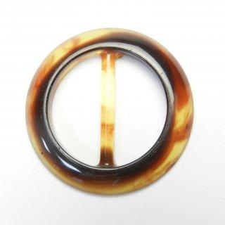べっ甲風の円形バックル/内径約25mm/素材:プラスチック系/スカーフ留め・ハンドメイド雑貨・手芸・コスプレに最適