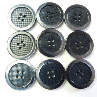 太縁にグラデーションが入った格子柄模様のネイビー色プラスチックボタン/23mm/4穴/コートのフロントボタンに最適