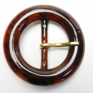 茶色系の金ピン付き円形バックル/内径約32mm/素材:プラスチック系/ピン素材:メタル系/ハンドメイド雑貨・バッグベルト・コスプレに最適