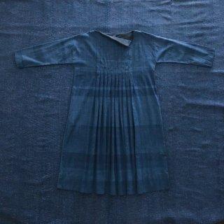maku ANAHITA インディゴ染カディボートネックドレス