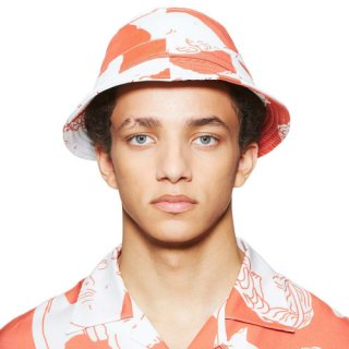 <img class='new_mark_img1' src='https://img.shop-pro.jp/img/new/icons16.gif' style='border:none;display:inline;margin:0px;padding:0px;width:auto;' />MARBLE PRINT RED BUCKET HAT