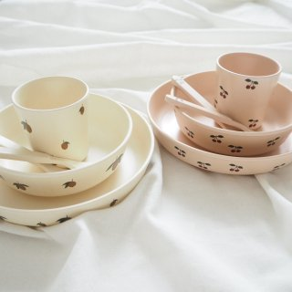 Konges Slojd<br>dinner set<br>cherry / lemon