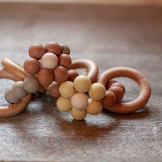Little Light<br>daisy teether ring<br>yellow / brown