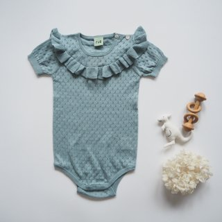 <img class='new_mark_img1' src='https://img.shop-pro.jp/img/new/icons14.gif' style='border:none;display:inline;margin:0px;padding:0px;width:auto;' />FUB<br>baby pointelle body<br>dusty blue<br>(80,86,92)