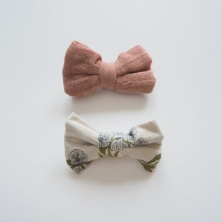 little cotton clothes<br>small hair bow