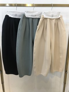 <img class='new_mark_img1' src='https://img.shop-pro.jp/img/new/icons14.gif' style='border:none;display:inline;margin:0px;padding:0px;width:auto;' />GRIS<br>hem darts pants<br>black<br>(S,M,L)