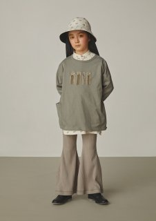 <img class='new_mark_img1' src='https://img.shop-pro.jp/img/new/icons14.gif' style='border:none;display:inline;margin:0px;padding:0px;width:auto;' />GRIS<br>embroidery three-quarter T-shirt<br>alpha green<br>(S,M,L)