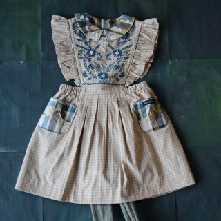 <img class='new_mark_img1' src='https://img.shop-pro.jp/img/new/icons14.gif' style='border:none;display:inline;margin:0px;padding:0px;width:auto;' />Bonjour diary<br>apron dress with embroidery<br>small beige check<br>(2y,4y,6y,8y)