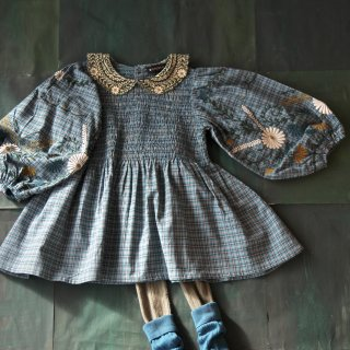 <img class='new_mark_img1' src='https://img.shop-pro.jp/img/new/icons14.gif' style='border:none;display:inline;margin:0px;padding:0px;width:auto;' />Bonjour diary<br>tunique blouse with emb. balloon sleeve<br>small blue check<br>(2y,4y,6y,8y)