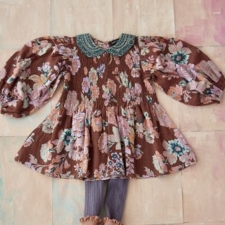 <img class='new_mark_img1' src='https://img.shop-pro.jp/img/new/icons14.gif' style='border:none;display:inline;margin:0px;padding:0px;width:auto;' />Bonjour diary<br>blouse with embroidery collar<br>big brown flower print<br>(2y,4y,6y,8y)