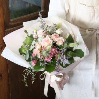 母の日ギフト 花束 【お花のお色はお選び頂けます、商品詳細をご覧下さい】※5月10日(月)到着分までは締め切りとさせていただきました。5月11日(火)以降の到着は受付中です。