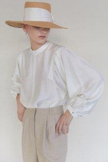 shoulder tuck<br>puff blouse<br>ivory, beige