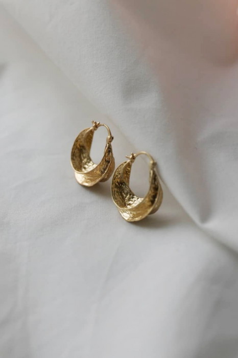 rough ring earring<br>gold