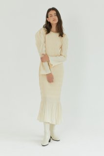 shirring pleats one piece<br>ivory