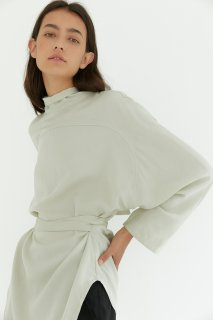 dolman sleeve<br>ribbon blouse<br>ivory, soft mint
