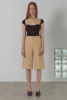 classic half pants<br>chamomile