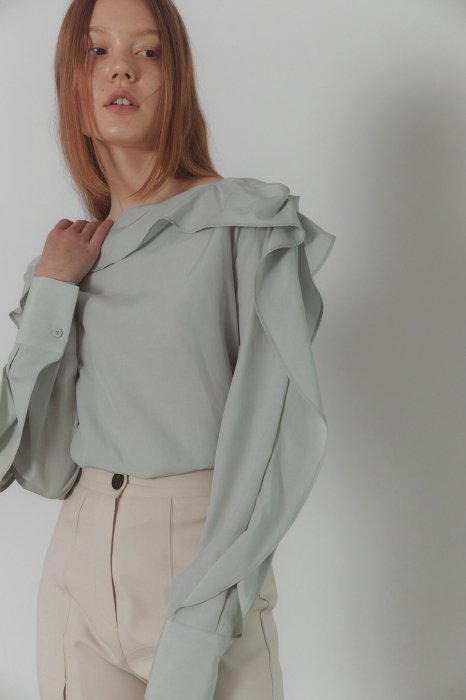 frill sleeves blouse<br>soft mint