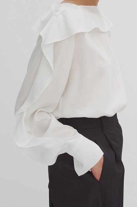 frill sleeves blouse<br>white