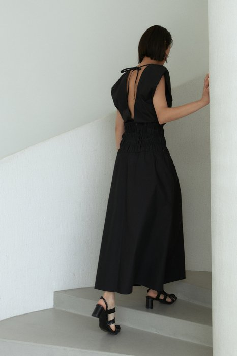 back ribbon<br>maxi one piece<br>black, beige, ivory