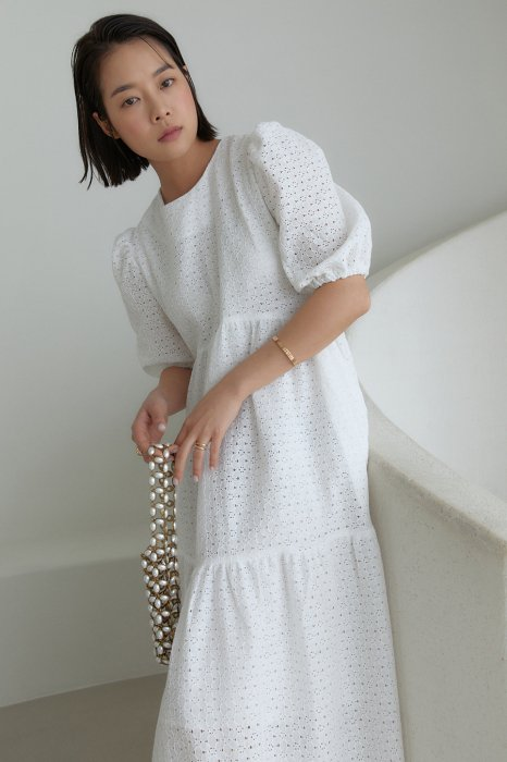 punching lace<br>tired one piece<br>white, black