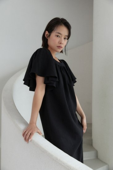 linen<br>frill sleeves one piece<br>black