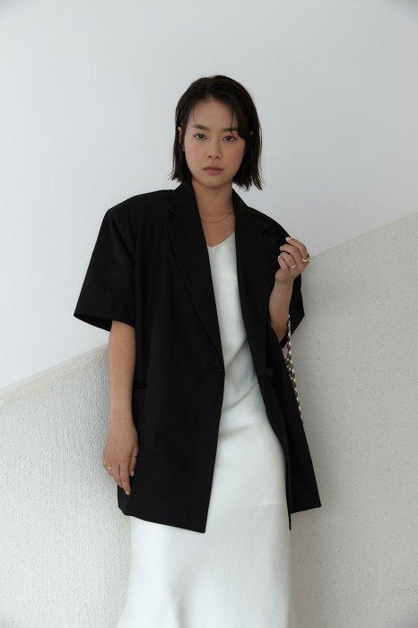 linen<br>loose fit jacket<br>brown, black