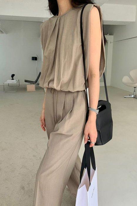 emma tuck string tops<br>khaki brown