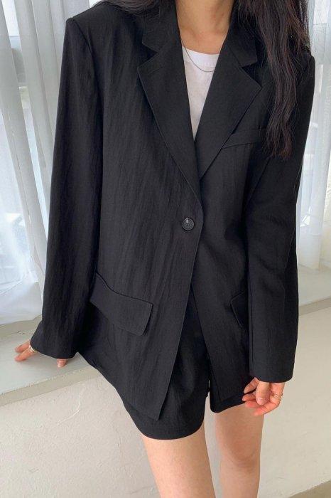 kelly boxy jacket<br>black