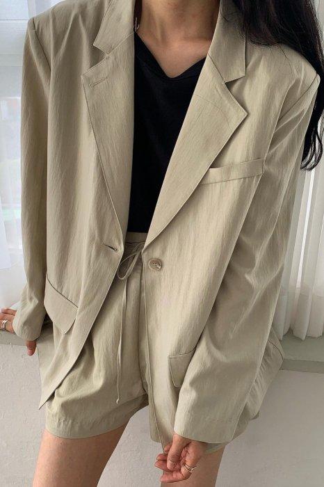 kelly boxy jacket<br>beige