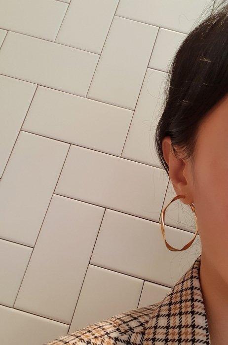 flow earring<br>gold, silver