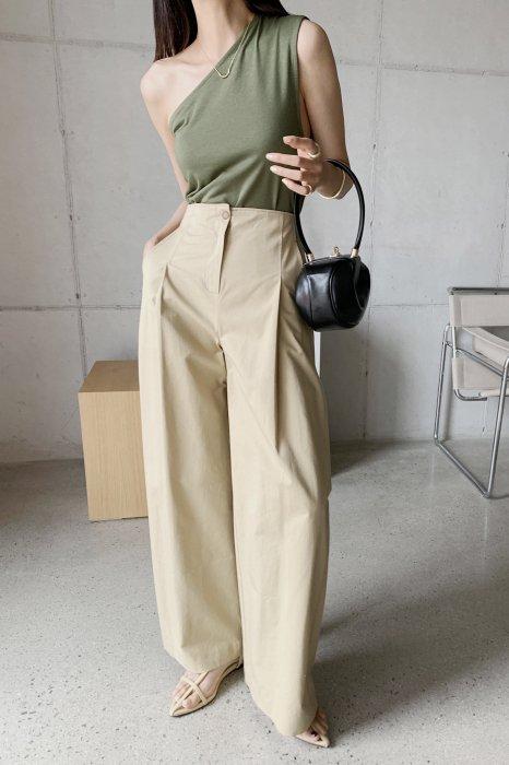 cotton tuck wide pants<br>beige