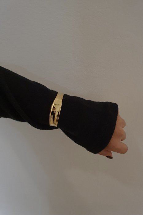 wide flow bangle<br>gold,silver