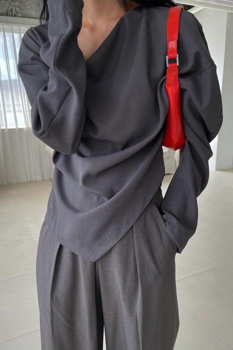 ria drape blouse<br>charcoal