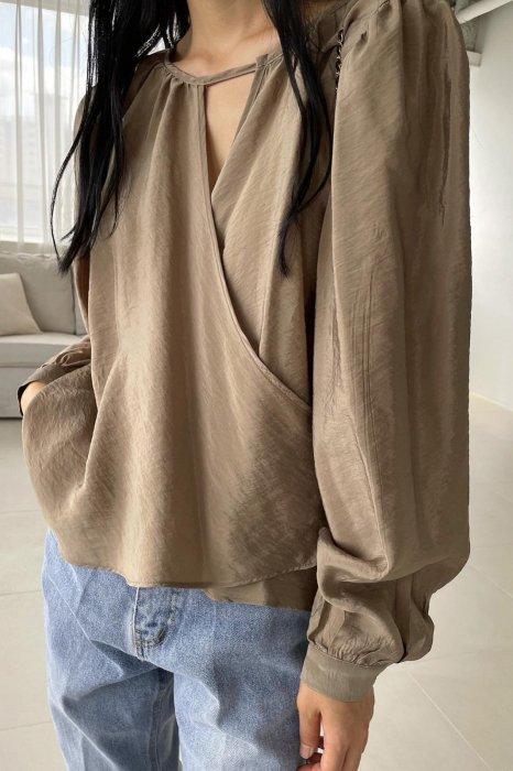 drape wrap blouse<br>brown