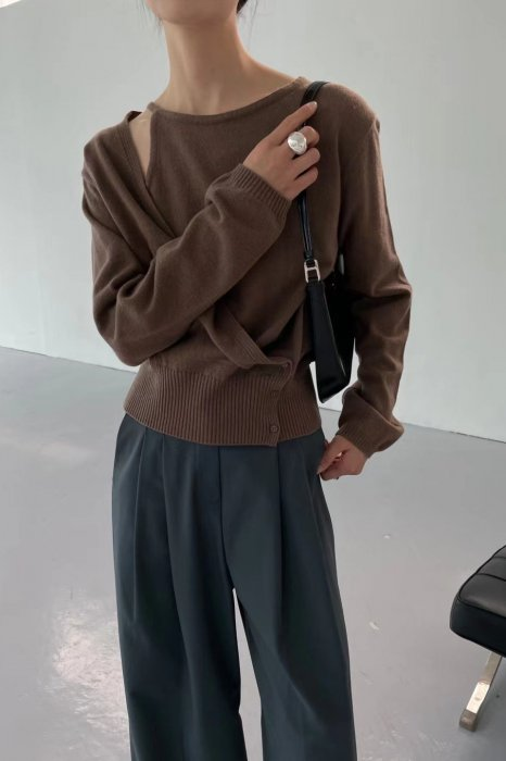 wrap open shoulder knit<br>brown